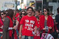 BUENOS AIRES, ARGENTINA, 01 SETEMBRO 2012 - PROTESTO EXPLORACAO SEXUAL DE MULHERES - Um grupo de ativistas de direitos humanos realizaram uma performance artística para condenar a exploração sexual de mulheres e crianças e aumentar a conscientização sobre a questão entre as pessoas. Milhares de mulheres da Argentina e países vizinhos são exploradas sexualmente, e serviços sexuais são oferecidos livremente nas ruas por meio de panfletos colados em telefones públicos e paredes nas ruas. Em Buenos Aires, capital da Argentina, no sábado, 1. (FOTO: PATRICIO MURPHY / BRAZIL PHOTO PRESS).