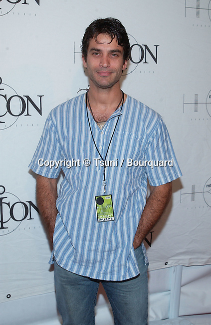 Johnathon Schaech arriving at the mtvICON: Aerosmith held  at Sony Studios in Los Angeles, Ca., April 14, 2002.           -            SchaechJohnathon10.jpg