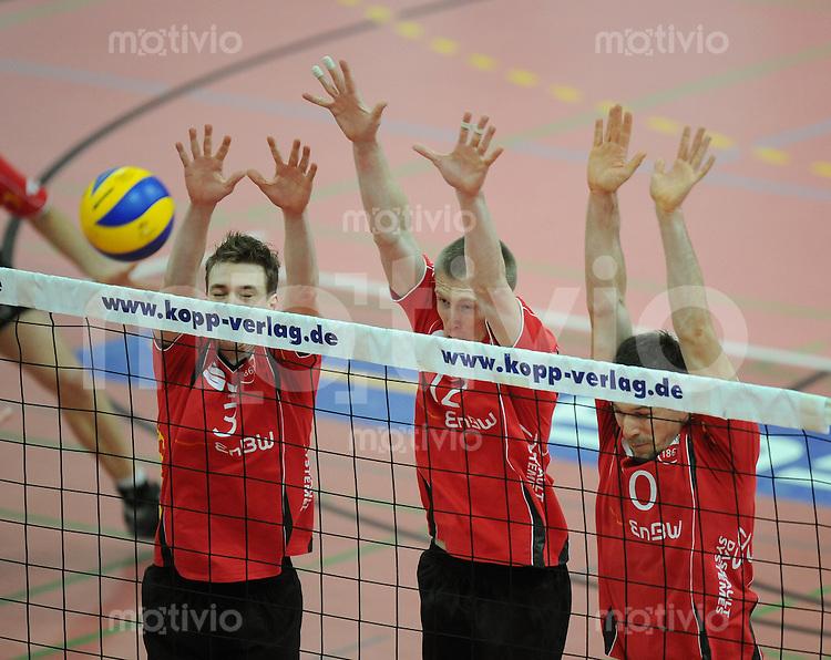 Volleyball  1. Bundesliga  2008/2009   10.01.2009 ENBW TV Rottenburg  - SCC Berlin  TV R Block; Michael Neumeister, David Smith und Matthias Pompe (v.li.)