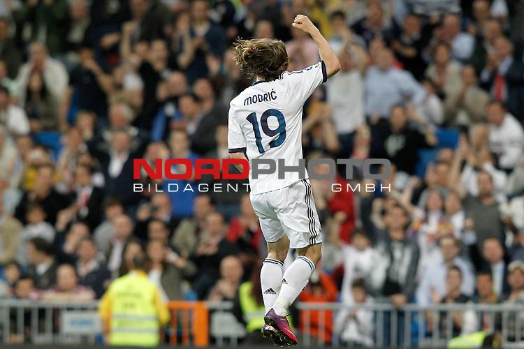 08.05.2013, Santiago Bernabéu, Madrid, LIGA.  Real Madrid vs Malaga, im Bild   Real Madrid's Luka Modric celebrates goal during La Liga match.May 08,2013. Foto © nph / Acero)