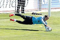 LAS ROZAS, ESPANHA, 22 DE MAIO 2012 - TREINO SELECAO ESPANHOLA - O goleiro Iker Casillas durante  treino na cidade de La Rozas no noroeste de Madri, onde a equipe ficara concentrada para os amistosos contra a Suica, a Servia e Coreia do Sul, nesta terça-feira. (FOTO: ACERO / ALFAQUI / BRAZIL PHOTO PRESS).