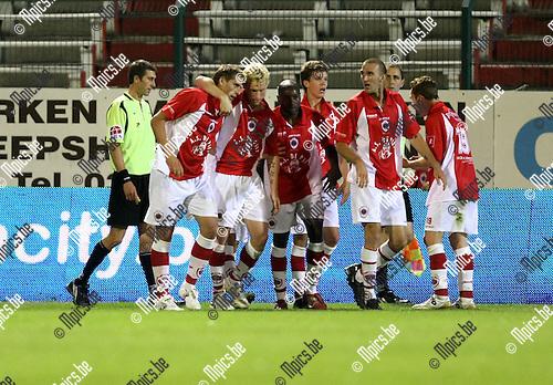 2009-08-29 / Voetbal / seizoen 2009-2010 / Antwerp FC - FC Brussels / Kevin Oris (L) scoorde zijn eerste doelpunt voor Antwerp..Foto: Maarten Straetemans (SMB)