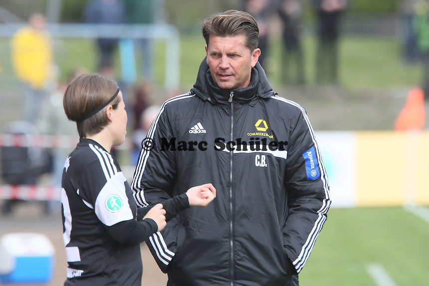 Trainer Colin Bell (FFC) mit Meike Weber - 1. FFC Frankfurt vs. BV Cloppenburg