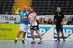Team Kretsches Elton (Nr.71) am Kreis gegen Team Buschis Goran Sprem (Nr.20) beim Tag des Handballs - Team Frank Buschmann vs. Team Stefan Kretzschmar.<br /> <br /> Foto &copy; P-I-X.org *** Foto ist honorarpflichtig! *** Auf Anfrage in hoeherer Qualitaet/Aufloesung. Belegexemplar erbeten. Veroeffentlichung ausschliesslich fuer journalistisch-publizistische Zwecke. For editorial use only.