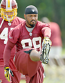 Ashburn, VA - August 6, 2009 -- Wide receiver Santana Moss (89) does a stretching exercise during the 2009 Washington Redskins Training Camp at Redskins Park in Ashburn, Virginia on Thursday, August 6, 2009..Credit: Ron Sachs / CNP