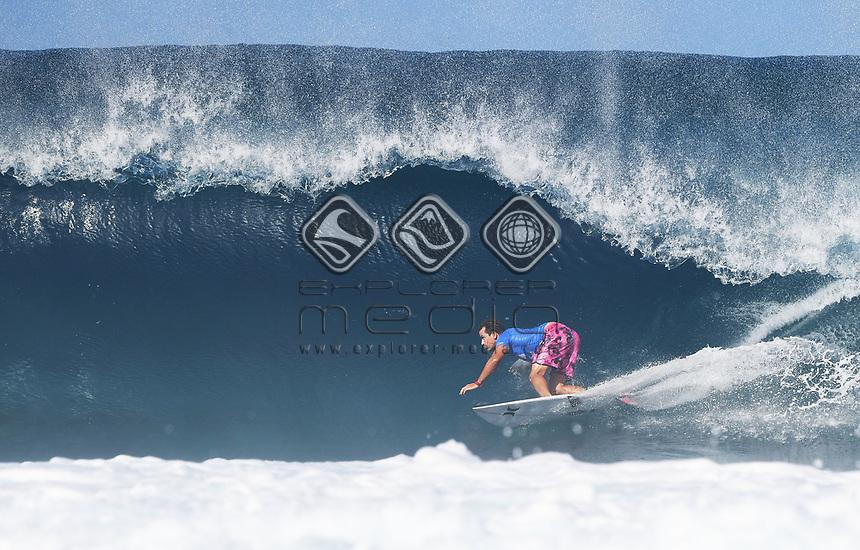Australia's Julian Wilson.<br /> 2017 Billabong Pipe Masters, Oahu, Hawaii, USA. World Surf League (WSL). Monday 18 December 2017. &copy; Copyright photo: Andrew Cornaga / www.photosport.nz