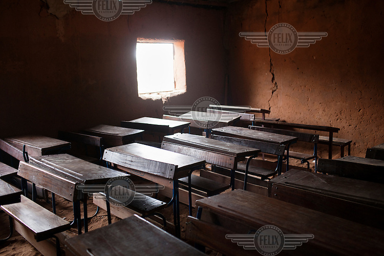 An empty classroom at the elementary school in Fono, Segou.