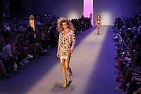 SAO PAULO, SP 24.04.2019 - MODA-SP - Desfile da grife Amir Slama na ediçao 47 da Sao Paulo Fashion Week (SPFW), no Espaço Arca, zona oeste da cidade de Sao Paulo nesta quarta-feira, 24. (Foto: Felipe Ramos / Brazil Photo Press )