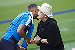 Leicester City FC's Chairman Vichai Srivaddhanaprabha wife's with Danny Simpson before training session. April 11, 2017.(ALTERPHOTOS/Acero)