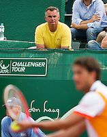 13-07-13, Netherlands, Scheveningen,  Mets, Tennis, Sport1 Open, day six, Stephan Ehritt-Vanc the coach of Jesse Huta Galung (NED) foreground<br /> <br /> <br /> Photo: Henk Koster