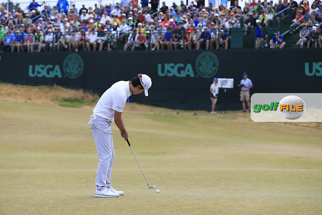 Kevin NA (USA) takes his putt on the 17th green during Thursday's Round 1 of the 2015 U.S. Open 115th National Championship held at Chambers Bay, Seattle, Washington, USA. 6/18/2015.<br /> Picture: Golffile | Eoin Clarke<br /> <br /> <br /> <br /> <br /> All photo usage must carry mandatory copyright credit (&copy; Golffile | Eoin Clarke)
