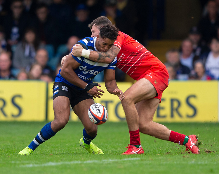 Bath Rugby's Gabriel Hamer-Webbvin action during todays match<br /> <br /> Photographer Bob Bradford/CameraSport<br /> <br /> Premiership Rugby Cup Round Three - Bath Rugby v Leicester Tigers - Saturday 5th October 2019 - The Recreation Ground - Bath<br /> <br /> World Copyright © 2018 CameraSport. All rights reserved. 43 Linden Ave. Countesthorpe. Leicester. England. LE8 5PG - Tel: +44 (0) 116 277 4147 - admin@camerasport.com - www.camerasport.com