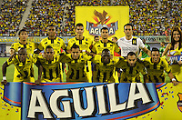 BARRANCABERMEJA -COLOMBIA, 09-08-2015:  Jugadores de Alianza Petrolera posan para una foto previo al encuentro con Deportivo Cali por la fecha 5 de la Liga Aguila II 2015 disputado en el estadio Daniel Villa Zapata de la ciudad de Barrancabermeja./ Players of Alianza Petrolera pose to a photo prior the match against Deportivo Cali for the 5th date of the Aguila League II 2015 played at Daniel Villa Zapata stadium in Barrancebermeja city. Photo:VizzorImage / Jose Martinez / Cont