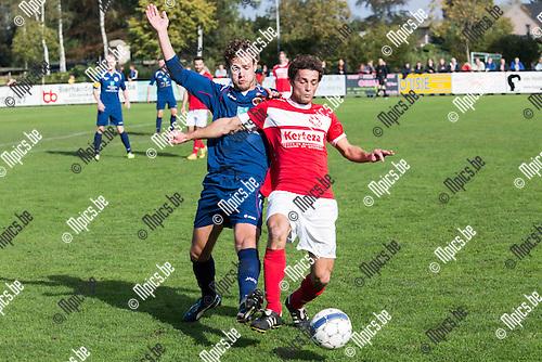 2014-10-12 / Voetbal / Seizoen 2014-2015 /  Retie-White Star / Vincent De Jongh (Retie) in duel met Tim Gorris (White Star)<br /> <br /> Foto: Mpics.be