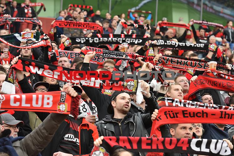 22.10.2016, BAYARENA, Leverkusen, GER, 1.FBL., Bayer 04 Leverkusen vs. TSG 1899 Hoffenheim  <br /> <br /> im Bild / picture shows: <br /> Fans, freundlich, Stimmung, farbenfroh, Nationalfarbe, geschminkt, Emotionen, <br /> <br /> <br /> <br /> Foto &copy; nordphoto / Meuter