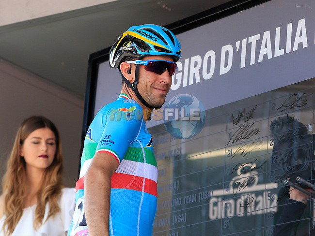 Vincenzo Nibali (ITA) Astana Pro Team at sign on before the start of Stage 2 of the 2016 Giro d'Italia running 190km from Arnhem to Nijmegen, The Nethrerlands. 7th May 2016.<br /> Picture: Eoin Clarke | Newsfile<br /> <br /> <br /> All photos usage must carry mandatory copyright credit (&copy; Newsfile | Eoin Clarke)