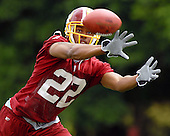 Ashburn, VA - June 16, 2007 -- Washington Redskin cornerback Carlos Rogers (22) lunges for a pass as he participates in day 2 of the second and final mini-camp at Redskin Park in Ashburn, Virginia on Saturday, June 16, 2007..Credit: Ron Sachs / CNP