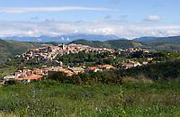 Italien, Latium, Bergdorf Scandriglia in der Region Sabina mit den Monti Sabini | Italy, Lazio, Region Sabina: mountain village Scandriglia with Monti Sabini mountains