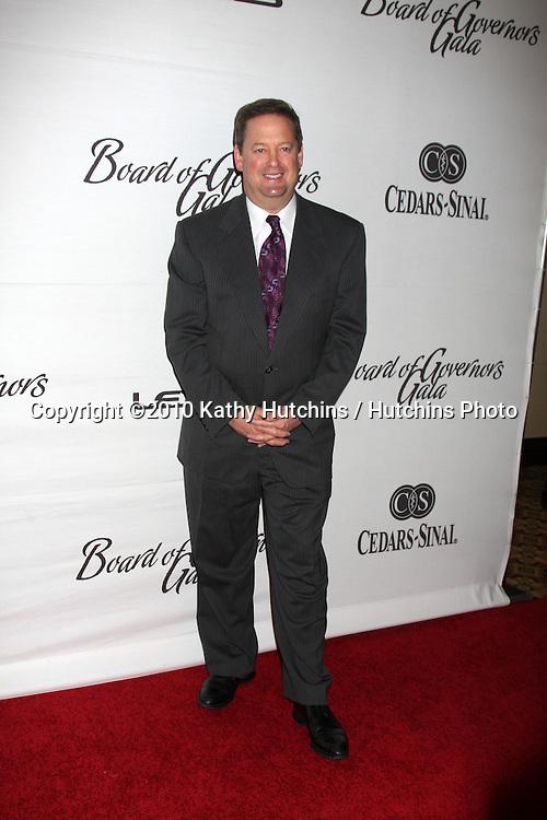 LOS ANGELES - NOV 18:  Sam Rubin arrives at the 2010 Cedars-Sinai Board Of Governors Gala at Century Plaza Hyatt Regency Hotel on November 18, 2010 in Century City, CA
