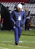 TUNJA - COLOMBIA, 15-04-2018: Julio Avelino Comesaña técnico de Atlético Junior  gesticula durante partido contra Patriotas Boyacá por la fecha 15 de la Liga Águila I 2018 realizado en el estadio La Independencia de Tunja. / Julio Avelino Comesaña coach of Atletico Junior  gestures during match against Patriotas Boyaca for the date 15 of Aguila League I 2018 played at La Independencia stadium in Tunja. Photo: VizzorImage / Jose Palencia / Cont