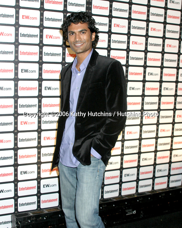 "Sendhil Ramamurthy.""Heros"".Entertainment Weekly Celebrates the 2006 Photo Issue.Quixote Studios.Los Angeles, CA.October 4, 2006.©2006 Kathy Hutchins / Hutchins Photo...."