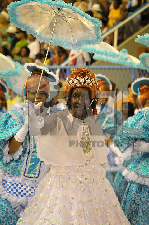 RIO DE JANEIRO, RJ, 19 DE FEVEREIRO 2012 - CARNAVAL 2012 - DESFILE PORTELA  - Desfile da escola de samba no primeiro dia de desfiles das Escolas de Samba do Grupo Especial do Rio de Janeiro, no sambódromo da Marques de Sapucaí, no centro da cidade, neste domingo.  (FOTO: GLAICON EMRICH - BRAZIL PHOTO PRESS).