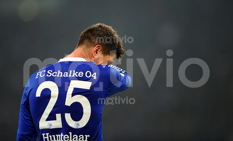 FUSSBALL   DFB POKAL    SAISON 2012/2013    ACHTELFINALE FC Schalke 04 - FSV Mainz 05                          18.12.2012 Klaas Jan Huntelaar (FC Schalke 04) ist enttaeuscht