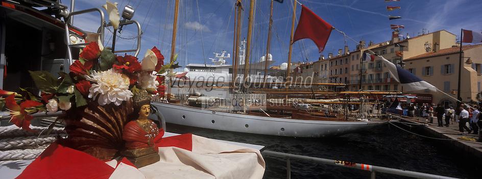 Europe/Provence-Alpes-Côte d'Azur/83/Var/Saint-Tropez: lors des Bravades- Les Bravades sont des processions en l'honneur du Saint Patron de la ville]