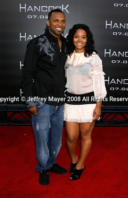 "Actor Mike Epps and wife Michelle Epps arrive to The World Premiere of Columbia Pictures' ""Hancock"" at the Grauman's Chinese Theatre on June 30, 2008 in Hollywood, California."