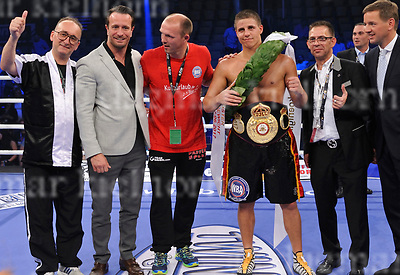 June 17-17,RITTAL ARENA, WETZLAR,GER<br /> WBA Championship Super Middleweight<br /> Tyron Zeuge ,GER vs. Paul Smith,UK<br /> Zeuge wins by unanimous decision,Team Sauerland celebrates