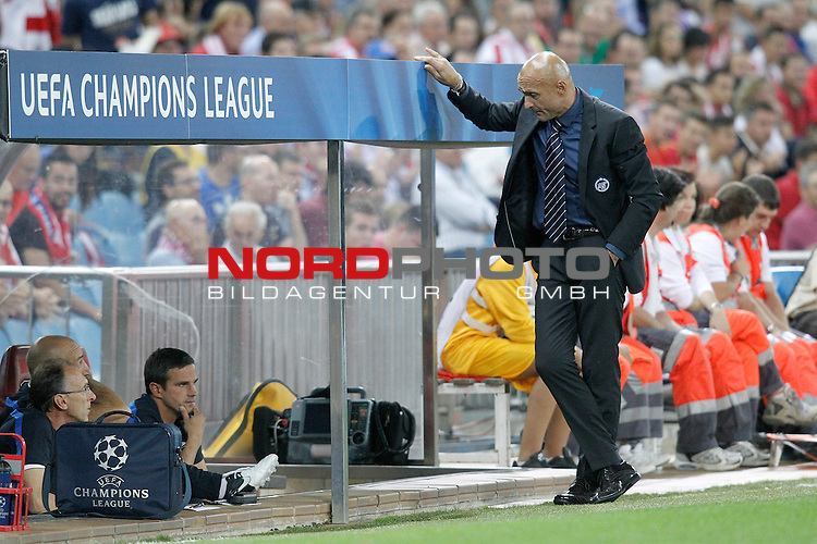 Football Club Zenit's coach Luciano Spalletti during Champions League 2013/2014 match.September 18,2013. Foto © nph / Acero)