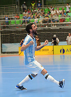MEDELLIN - COLOMBIA- 25-09-2016: Pablo Taborda jugador de Argentina celebra despues de anotar un gol a Egipto durante partido de cuartos de final de la Copa Mundial de Futsal de la FIFA Colombia 2016 jugado en el Coliseo Ivan de Bedout en Medellín, Colombia. /  Pablo Taborda player of Argentina celebrates after scoring a goal to Egypt during match of the quarter finals of the FIFA Futsal World Cup Colombia 2016 played at Ivan de Bedout coliseum in Medellin, Colombia. Photo: VizzorImage / Leon Monsalve /