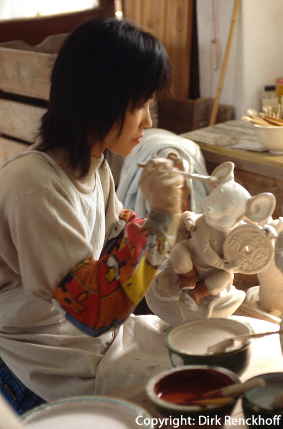 China, Foshan, in der Keramikfabrik