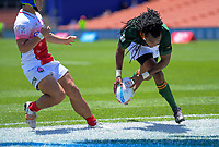 South Afrika's Cecil Afrika scores during the pool match against Japan. Day one of the 2020 HSBC World Sevens Series Hamilton at FMG Stadium in Hamilton, New Zealand on Saturday, 25 January 2020. Photo: Dave Lintott / lintottphoto.co.nz
