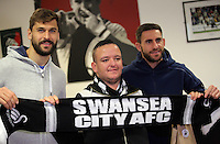 Pictured: Fernando Llorente and Angel Rangel Tuesday 29 November 2016<br />