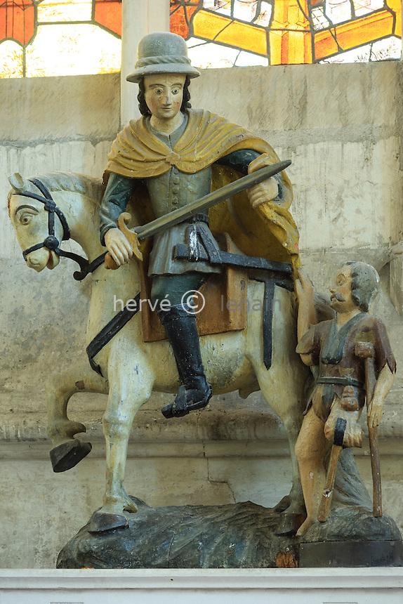 France, Loir-et-Cher (41), Vendôme, abbaye de la Trinité, statue de Saint Martin dans la chapelle Saint-Martin // France, Loir et Cher, Vendome, the abbey, the church, Saint Martin statue