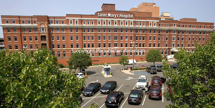 WATERBURY CT. 24 July 2014-072514SV08-Saint Mary's Hospital in Waterbury Friday. <br /> Steven Valenti Republican-American