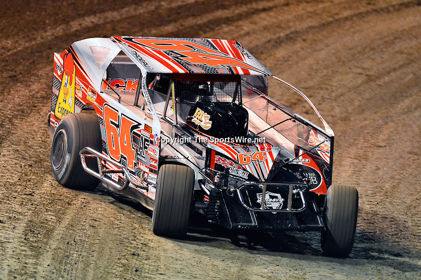 Feb 19, 2014; 6:43:18 PM;  Barberville, FL, USA;  Super DIRT car Series Big Block Modifieds presented by Summit Racing Equipment at Volusia Speedway Park.  Mandatory Credit: (thesportswire.net)