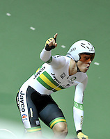 CALI – COLOMBIA – 26-02-2014:  Alexander Edmondson, equipo de Australia celebra la medalla de oro durante final de Persecucion por Equipos masculino en el Velodromo Alcides Nieto Patiño, sede del Campeonato Mundial UCI de Ciclismo Pista 2014. /  Alexander Edmondson, of the Australia team celebrates the gold medal during the final of the test of the Men´s Team Persuit at the Alcides Nieto Patiño Velodrome, home of the 2014 UCI Track Cycling World Championships. Photos: VizzorImage / Luis Ramirez / Staff.
