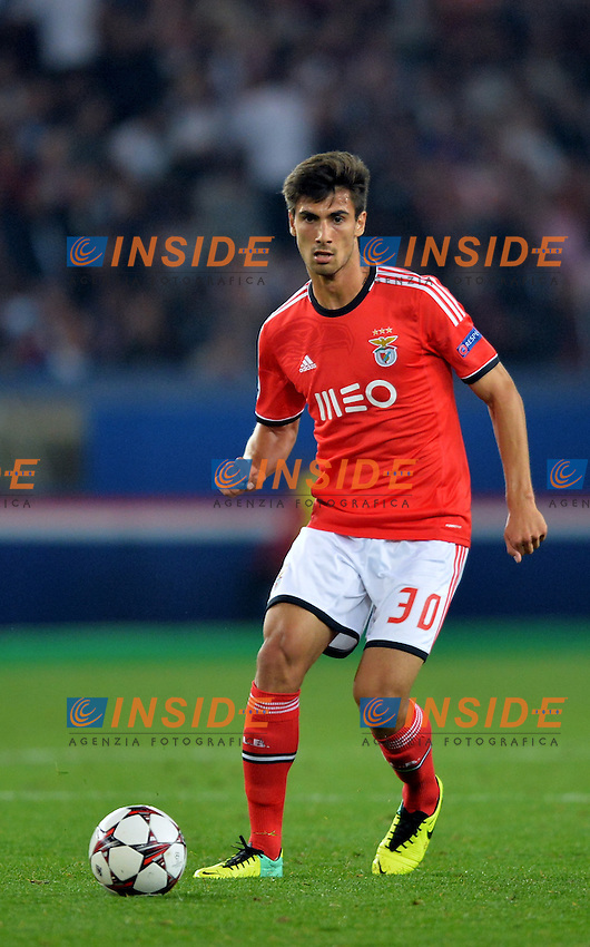 Andre Gomes (ben) <br /> Parigi 2/10/2013 <br /> Football 2013/2014 Champions League<br /> Paris Saint Germain Benfica <br /> Anthony BIBARD / FEP / Panoramic / Insidefoto <br /> ITALY ONLY