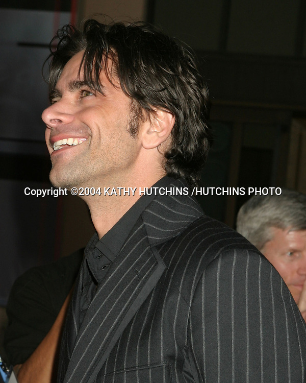 ©2004 KATHY HUTCHINS /HUTCHINS PHOTO.AMERICAN MUSIC AWARDS.LOS ANGELES, CA.NOVEMBER 14, 2004..JOHN STAMOS