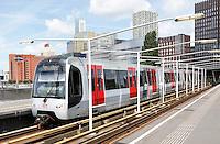 Nederland Rotterdam 2016 . Metro bij station Rijnhaven.  Foto Berlinda van Dam / Hollandse Hoogte