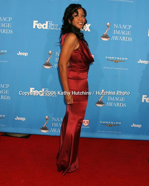 Tichina Arnold.37th NAACP Image Awards.Shrine Auditorium.Los Angeles, CA.February 25, 2006.©2006 Kathy Hutchins / Hutchins Photo....