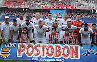 BARRANQUIILLA -COLOMBIA-02-05-2013. Jugadores de Atlético Junior posan para una foto previo al partido con Independiente Medellín por la fecha 6 de la Liga Postobón II 2014 jugado en el estadio Metropolitano Roberto Meléndez de la ciudad de Barranquilla./ Players of  Atletico Junior pose to a photo prior the mach against Independiente Medellin for the 6th date of the Postobon League II 2014 played at Metropolitano Roberto Melendez stadium in Barranquilla city.  Photo: VizzorImage/Alfonso Cervantes/STR
