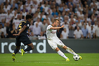 Harry Kane of Tottenham Hotspur hits a shot at goal during the UEFA Champions League Group stage match between Tottenham Hotspur and Monaco at White Hart Lane, London, England on 14 September 2016. Photo by Andy Rowland.
