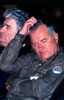 Bijelina / Republika Srpska - 1996.L'ultima apparizione pubblica di Ratko Mladic prima della latitanza. Nella foto è a fianco di Radovan Karadzic in occasione della festa dell'esercito serbo-bosniaco.Ratko Mladic and Radovan Karadzic in Bijelina at the end of the war in Bosnia.<br /> Photo Livio Senigalliesi