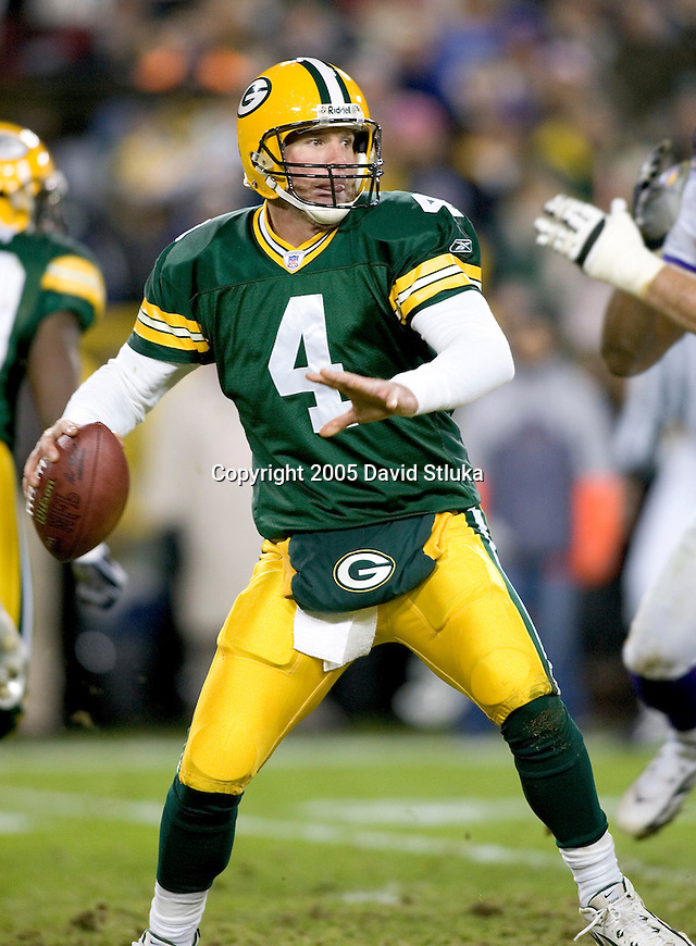 Green Bay Packers quarterback Brett Favre (4) during an NFL football game against the Minnesota Vikings at Lambeau Field on November 21, 2005 in Green Bay, Wisconsin. The Vikings defeated the Packers 20-17. (Photo by David Stluka)