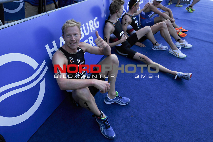 21.07.12, Hamburg-Innenstadt, Hamburg, GER, Triathlon, Dextro Energy Triathlon, ITU World Cup Men, im Bild Maik Paetzold (P&auml;tzold GER) erschoepft im Ziel//during championship at Hamburg 2012/07/21,Hamburg<br /> Foto &copy; nph/ Witke *** Local Caption ***