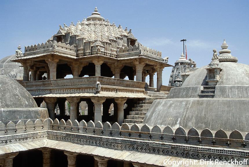Chaumukha Tempel (Jain) 15. Jh, gewidmet Adinath, 1. Furtbereiter (Tirthankar), Ranakpur (Rajasthan), Indien