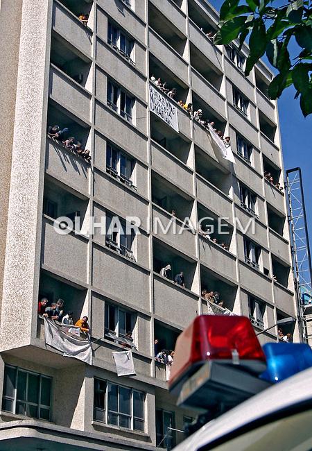 Ocupação do Hotel Danúbio pelo  Movimento dos  SemTeto. São Paulo. 2003. Foto de Caetano Barreira.